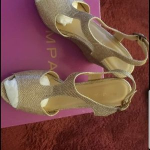 Gold wedge size 7.5